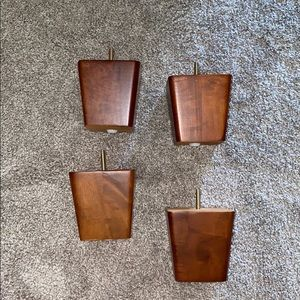 Wooden couch feet (4)